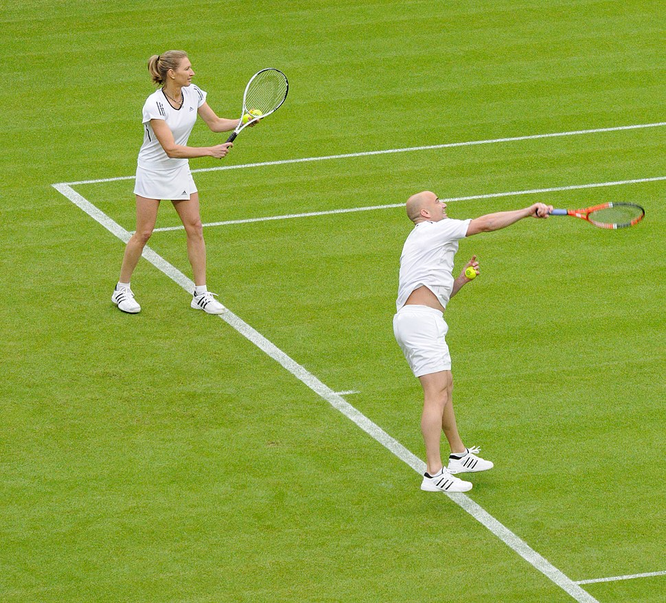 Steffi Graf and Andre Agassi (Wimbledon 2009)
