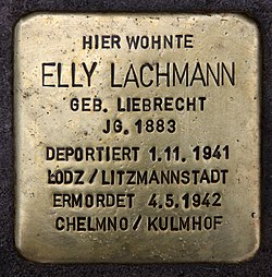 Photo of Elly Lachmann brass plaque