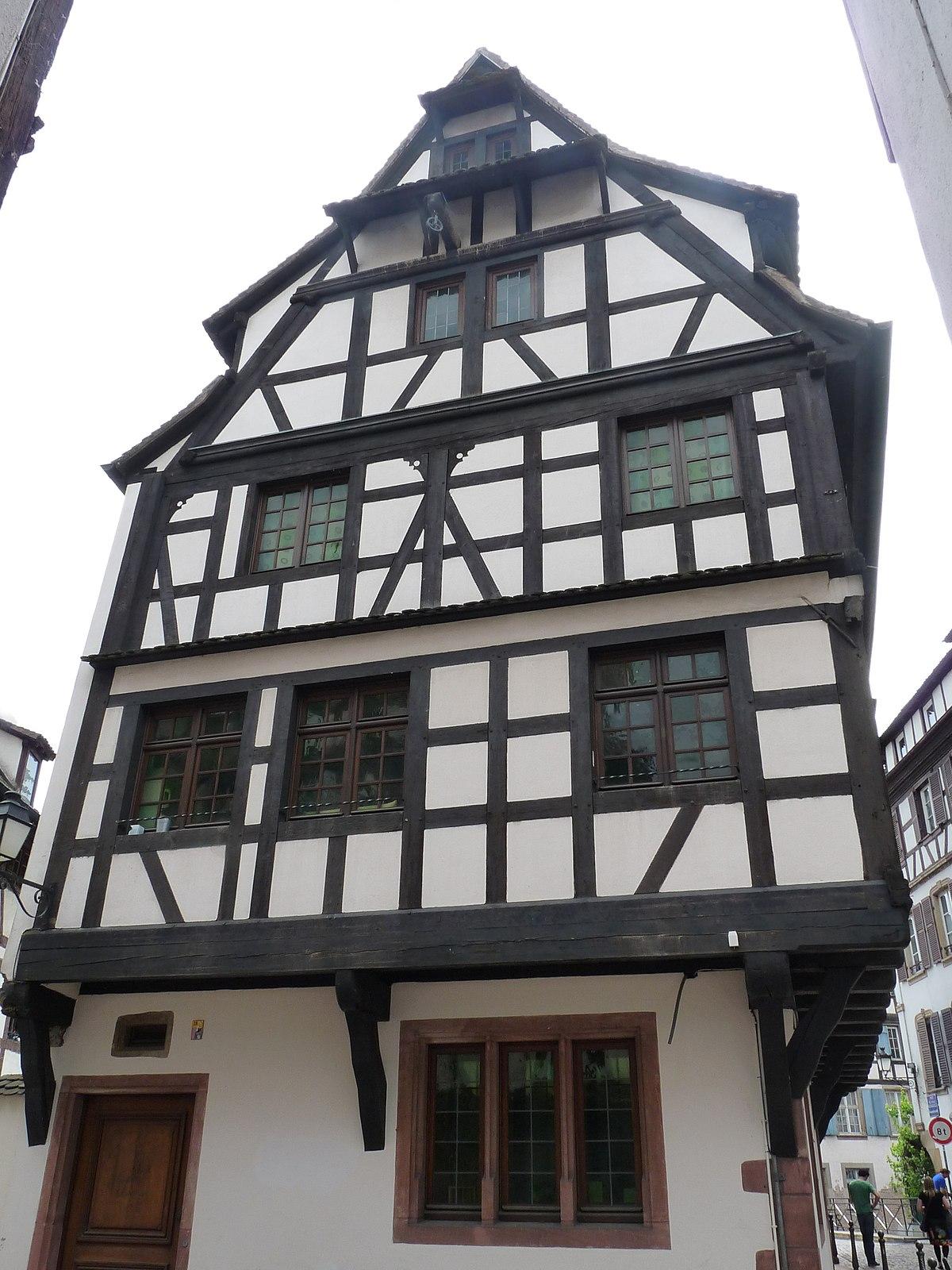 Maison au 40 rue du bain aux plantes strasbourg wikip dia for Rue du miroir strasbourg