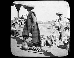 Celaya - Street vendors in the Celaya train station before 1901