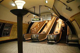 Turnpike Lane tube station - Platform level.
