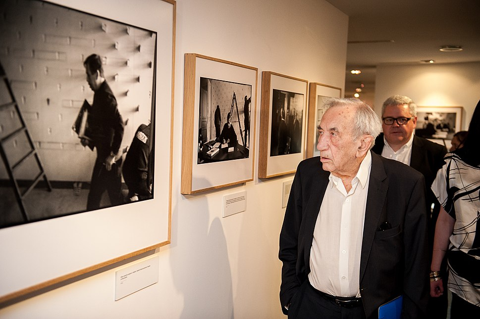 Tadeusz Mazowiecki - Europeana - Viewing Exhibition