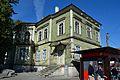 Tallinn, elamu apteegiga Vana-Viru 15 välistrepi piirdega (1).jpg