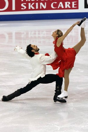 Tanith Belbin White - Belbin and Agosto perform a straight-line lift during their Tosca free dance at the 2009 World Championships.