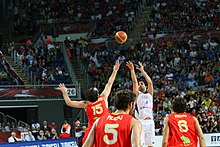 Teodosićs game-winning 3-pointer over Garbajosa.jpg