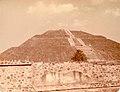Teotihuacan March 1974 04.jpg
