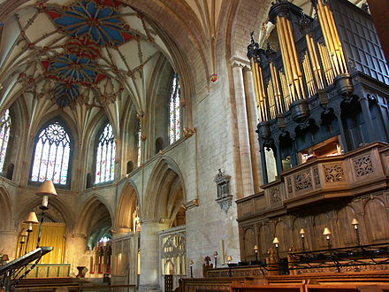 Organ of Tewkesbury Abbey. This instrument was originally built by Robert Dallam before the Civil War.[1]