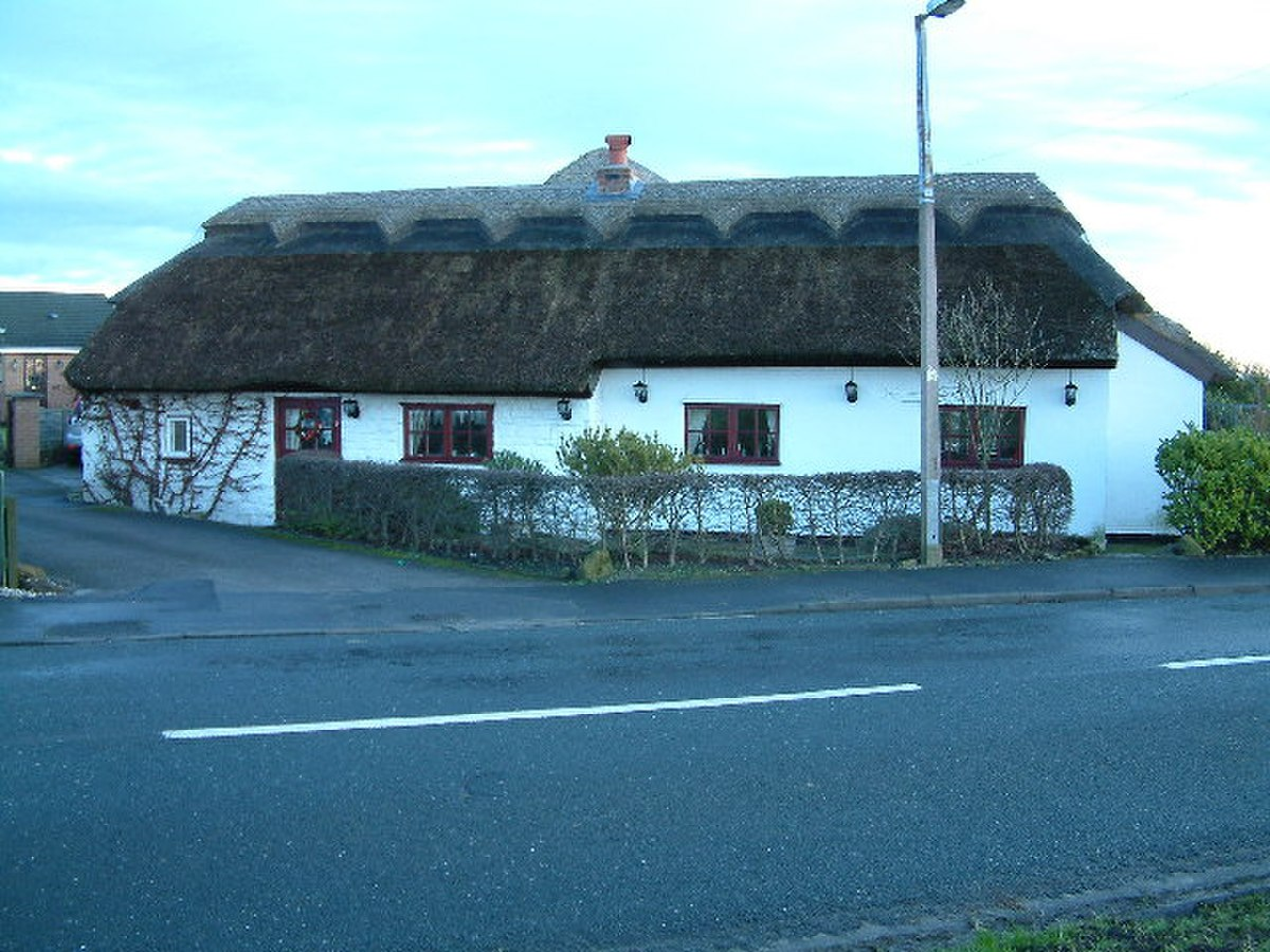 Thatched Cottage - geograph.org.uk - 99105.jpg