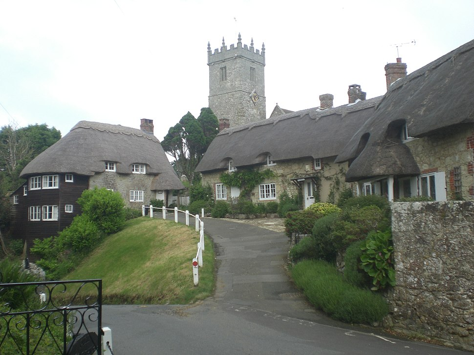 Thatched cottages in Godshill