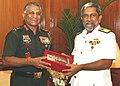 The Commander of Sri Lankan Navy, Vice Admiral Thisara Samarasinghe called on the Chief of Army Staff, Gen. V.K. Singh, in New Delhi on October 20, 2010.jpg