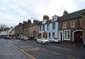 Linlithgow - The south side of the High Street was spared the demolition inflicted upon the north side in the 1960s.