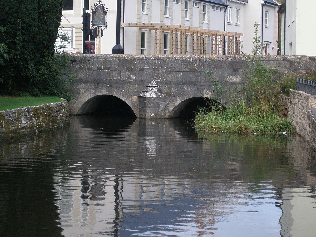 The Mews Bridge from Convent Walk.JPG