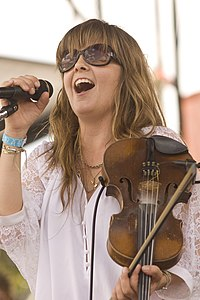 Theresa Andersson FQF 2012 Microphone.jpg