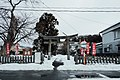 Torii, Honjo-Hachiman-jinja - Jan 19, 2017.jpg