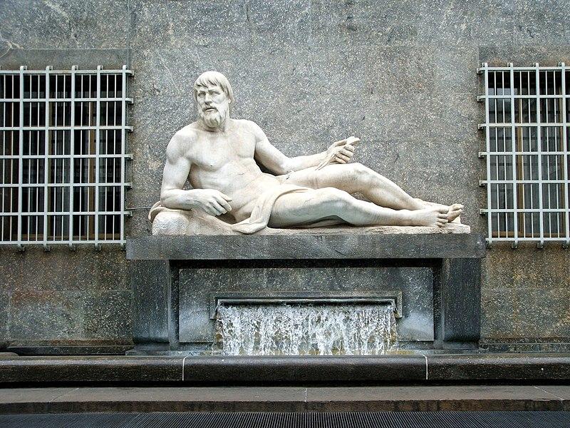 File:Torino-statua fiume Po-080408001.JPG