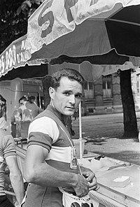 Tour de France , voor de start Anglade voor de start, Bestanddeelnr 911-3770.jpg