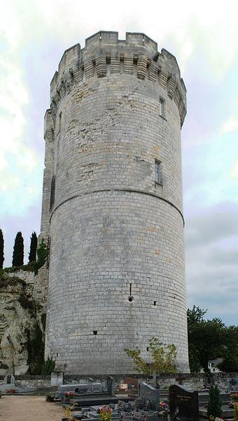 Tour de Trèves, commune de Chênehutte-Trèves-Cunault.