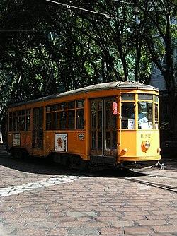"Milano: tram ATM ""Peter Witt"" del 1928, serie 1501-2000, vettura n. 1982, linea 7, livrea arancio ministeriale"