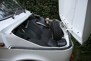 Fiat 126 - The front footwells, suspension, battery and spare wheel left little room for luggage in the 126 front trunk.