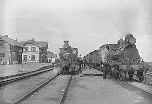 Nordland Line - Two steam locomotives at Hell Station in 1907
