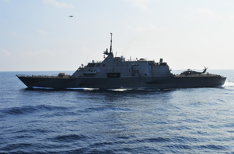 File us navy 100407 n 8878b 053 the littoral combat ship uss freedom lcs 1 is underway in the - Uss freedom lcs 1 photos ...