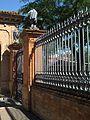 Valla del cementerio de Sevilla.jpg
