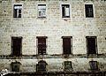 Ventanas y ventanucos - panoramio.jpg