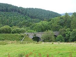 Viaduct over Gilderdale Burn (geograph 4095925).jpg
