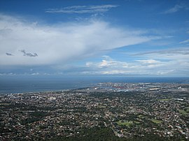 View of Wollongong from summit of Mt Keira.jpg