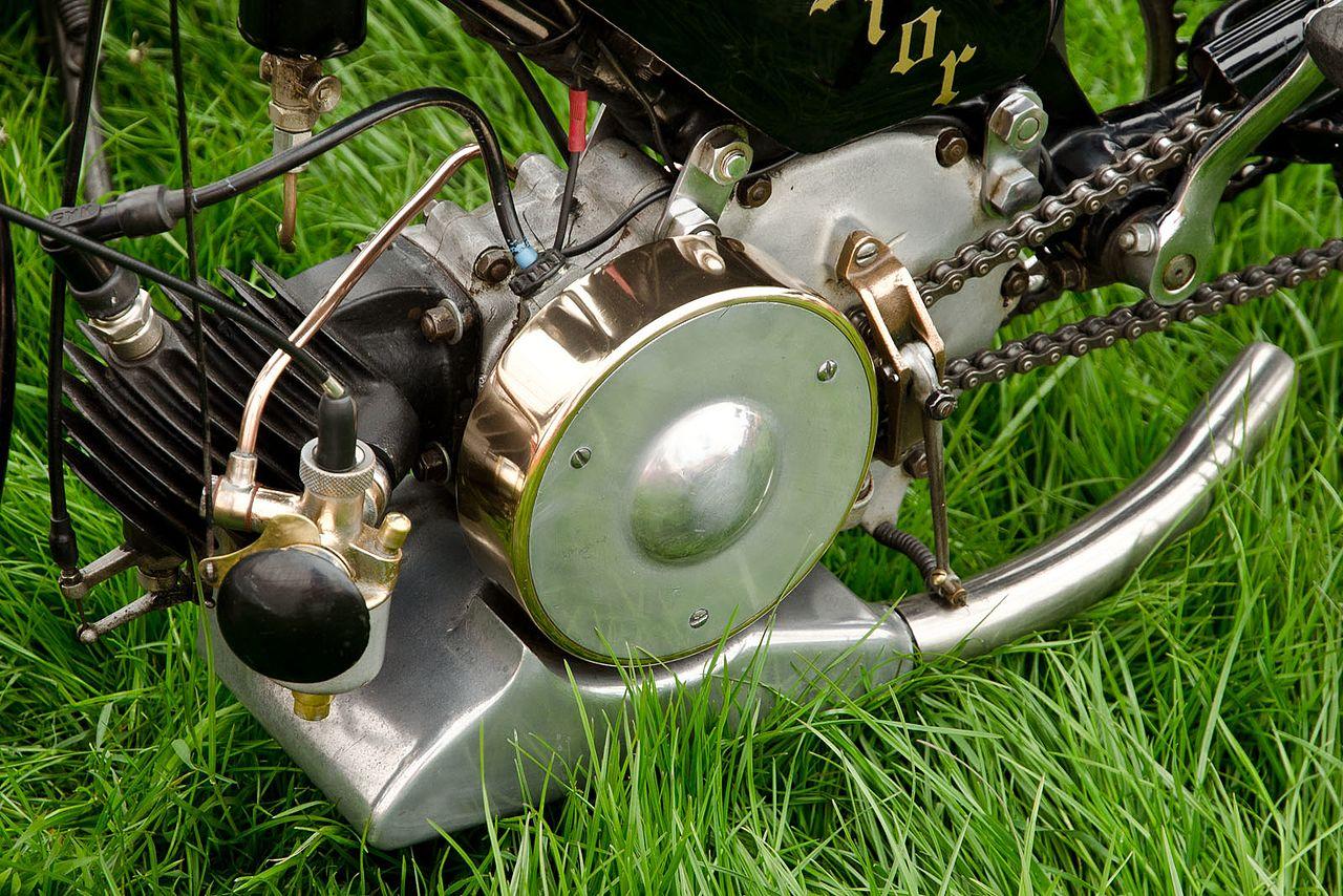 File:Villiers Junior Engine (1939) jpg - Wikimedia Commons