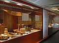 Vitrine sur lesthétique des matériaux (Musée du design, Helsinki) (2764825381).jpg