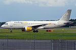 Vueling, EC-HQL, Airbus A320-214 (21217117276).jpg