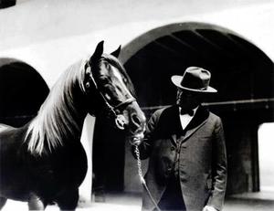 Will Keith Kellogg - W.K. Kellogg and his Arabian horse Antez at Kellogg's former Arabian horse ranch (now Cal Poly Pomona).