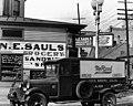 Walker Evans New Orleans street corner.jpg
