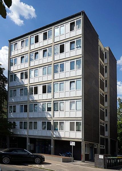 Datei:Walter-Kolb-Studentenhaus,-Frankfurt-a.-M.-(July-2018) 01.jpg