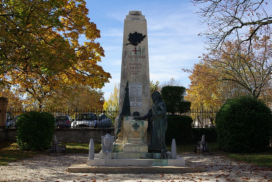 War memorial of Castelnau-Montratier (Lot, France).