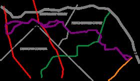 Un mapa a escala que ilustra la ruta de la Línea Púrpura y sus intersecciones con las líneas de metro existentes.
