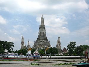 Wat Arun (Thai: ???????, Temple of the Dawn, p...