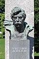 Wien - Denkmal der Republik, Victor-Adler-Büste.JPG
