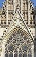 Wien Votivkirche Südfassade Fenster 01.jpg