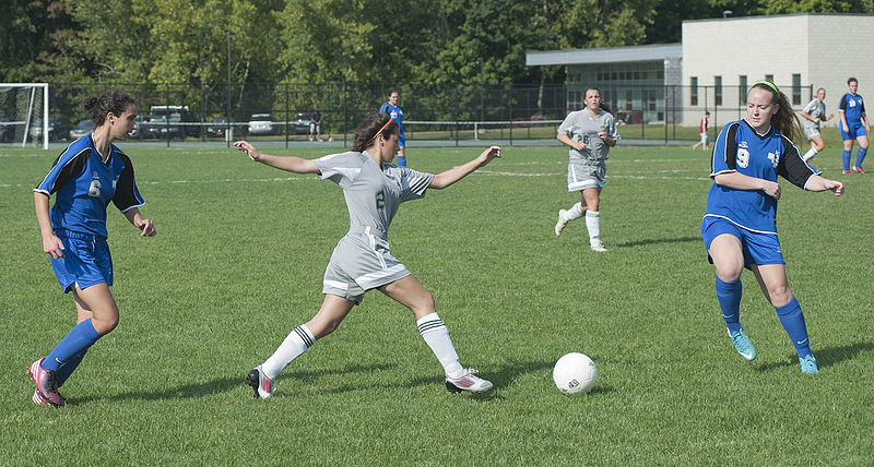File:Women's soccer action at Hudson Valley Community College.jpg