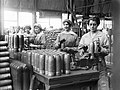 Women at work during the First World War Q27873.jpg
