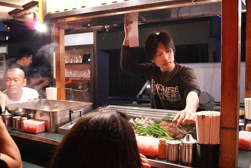 File:Yatai beside Naka-gawa, Fukuoka, Japan - 20110525-03.jpg