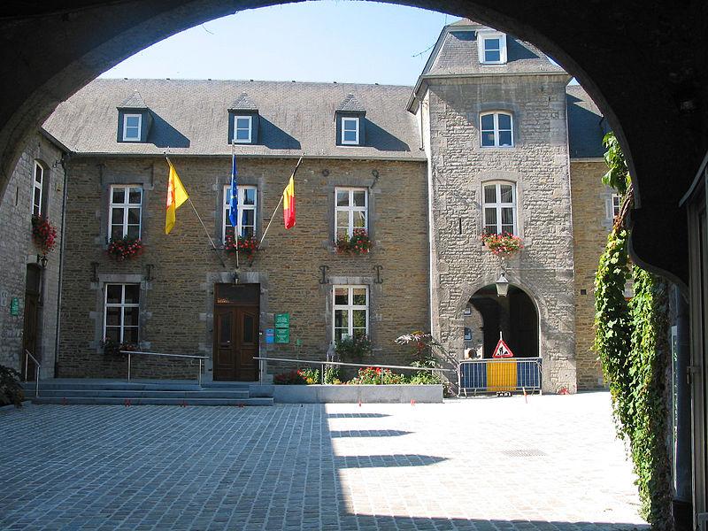 Yvoir   (Belgium), the town hall.