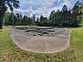 Überreste des Desinfektionsgebäudes im KZ Bergen-Belsen.jpg