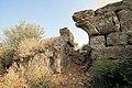 Πύλη στο τείχος της Αρχαίας Στράτου. - panoramio.jpg