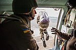 Десант Нацгвардії успішно виконав завдання у небі IMG 1306 (29728330620).jpg