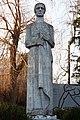 Пам'ятник 120 воїнам-односельчанам, загиблим на фронтах ВВв с. Строїнці, скульптура Мати.jpg
