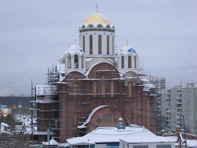File:Храм Покрова Пресвятой Богородицы в Ясеневе (январь 2012).jpg
