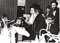 הרב שמואל הלוי וואזנר בחידון ארצי של חתן המשנה של קביעתא.jpg